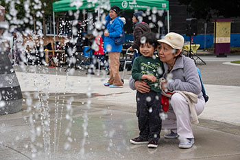 Yesler Terrace Park spray park